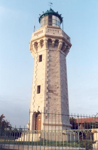 Phare du Mont Saint-Clair (Etablissement de signalisation maritime n°1300/000)