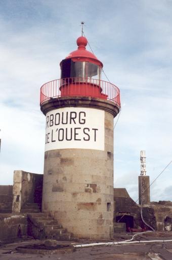 Phare du Fort de l'Ouest aussi appelé Phare de Cherbourg - Fort de l'Ouest(Etablissement de signalisation maritime n°499/000)