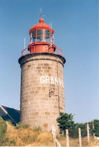 Phare de Granville aussi appelé Phare du Cap Lihou (Etablissement de signalisation maritime n° 517/000)