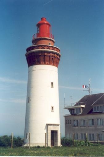 Phare d'Ault aussi appelé Phare d'Onival (Etablissement de signalisation maritime n°81/000)