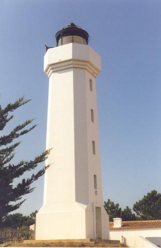 Phare du Grouin du Cou (Etablissement de signalisation maritime n°1021/000)