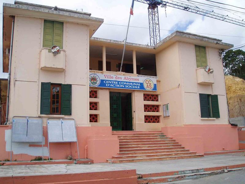 Mairie actuellement centre communal d'action sociale