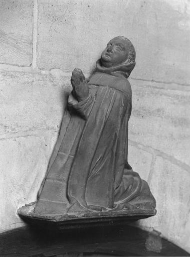 statue : Priant