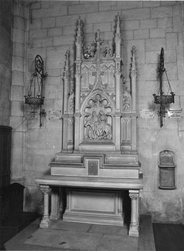 Autel, retable de saint Joseph, de style néogothique