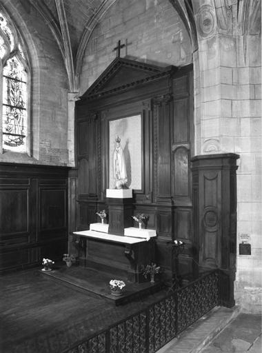 Autel, retable de la chapelle Notre-Dame de Fatima, ancienne chapelle du Sacré-Coeur