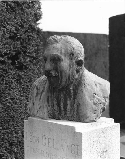 tombeau de Léon Déliance