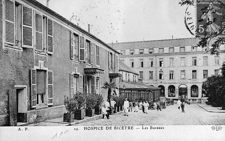 hospice, asile d'aliénés et prison, actuellement centre hospitalier universitaire de Bicêtre