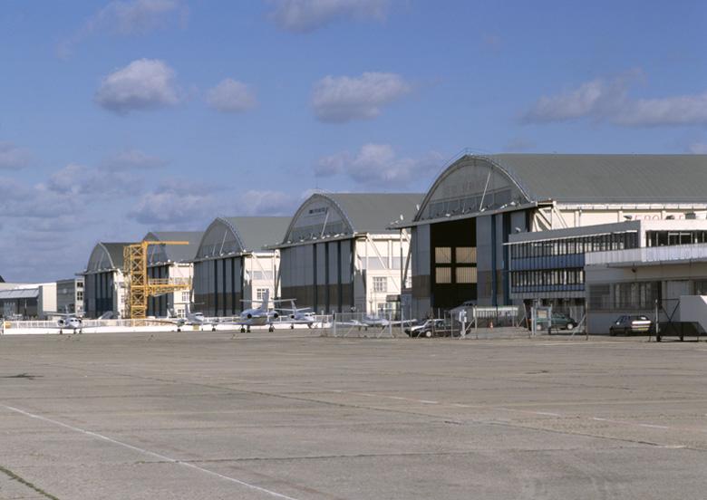 Série de 5 hangars aéronautiques dit hangars du Bourget, dits aussi hangars Lossier