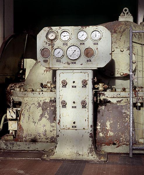 turbine à vapeur et alternateur triphasé : turbo-alternateur (tranche 5)