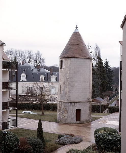 Ferme seigneuriale du chapitre Notre-Dame de Paris, dite ferme du Moussel