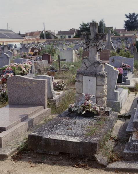 Tombeau de Louise Bongrand