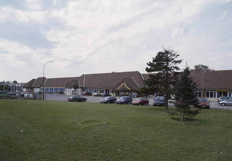 groupe scolaire Jean-Jaurès, actuellement bibliothèque municipale