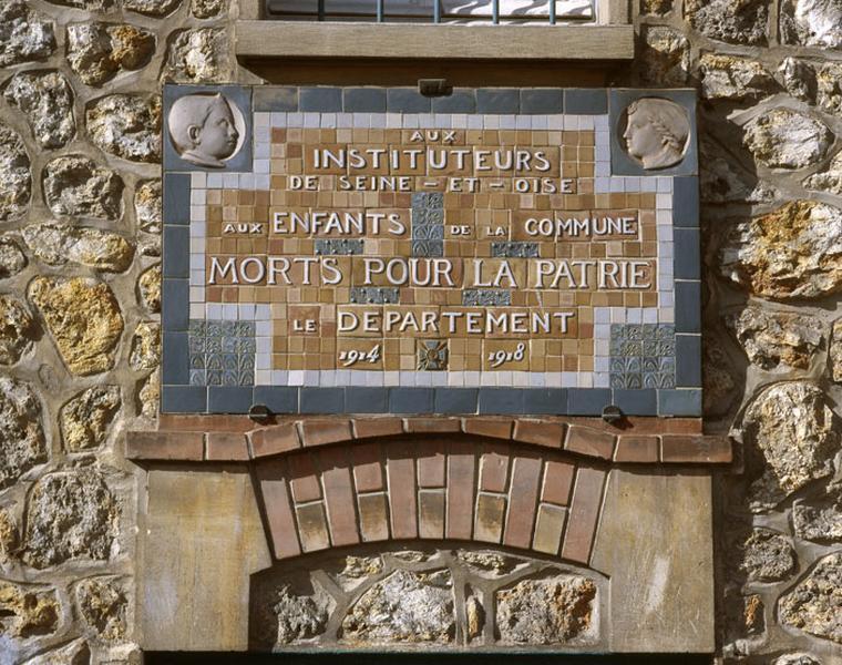 ensemble de 2 plaques commémoratives des instituteurs de Seine et Oise