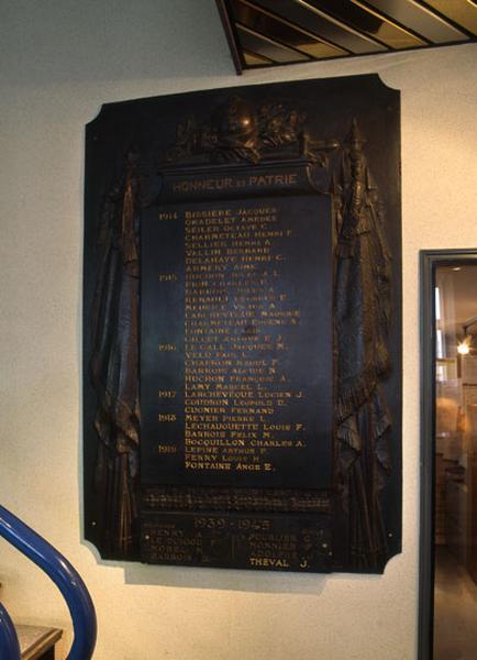 tableau commémoratif des morts de la première guerre mondiale