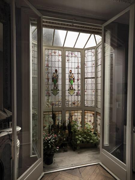 Verrière figurée décorative du bow-window