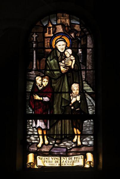 verrière historiée : Saint Vincent de Paul
