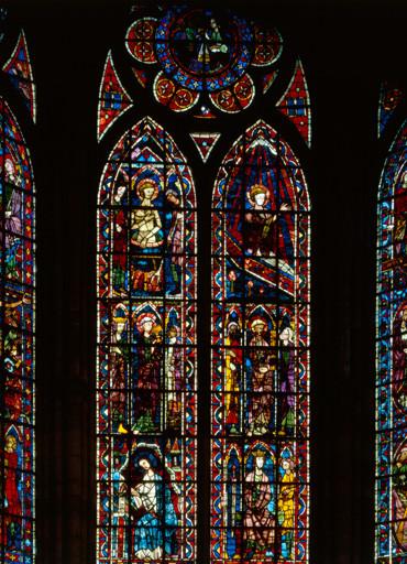 Verrière figurée : saint Jean l'Evangéliste (baie 202)