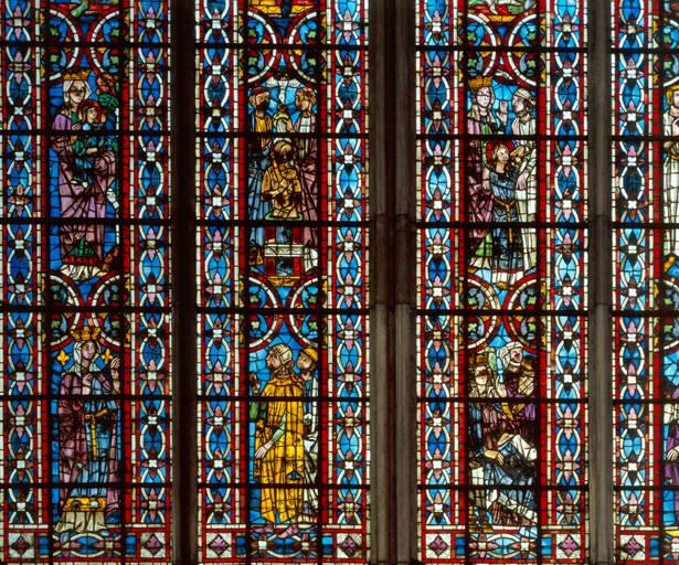 Verrière hagiographique : sainte Hélène (baie 211)