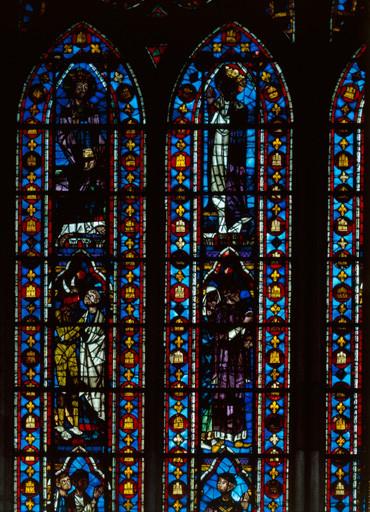 verrière (baie n°212) : le diable conduit Théophile devant l'usurier Salatin, la Vierge intercède auprès du Christ en faveur de Théophile