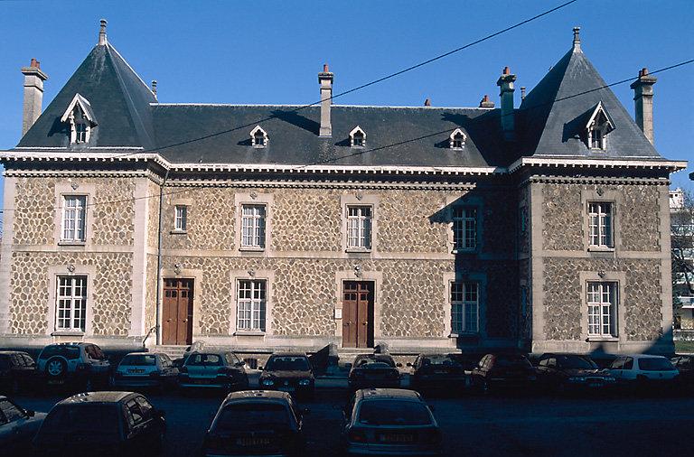 Presbytère de la paroisse Saint-Pierre-Saint-Paul