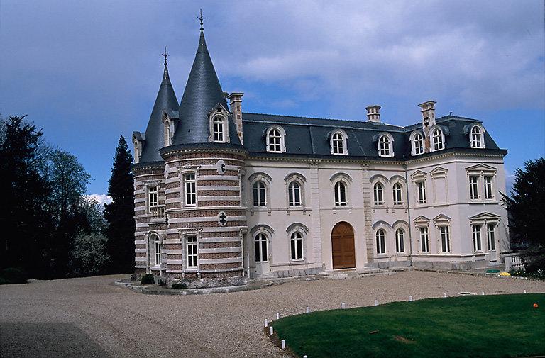 hôtel de négociant en vin ; château Mercier ; château de Pékin