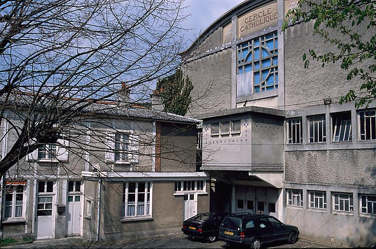 cercle : salle de patronage du cercle catholique La Cité ; cinéma ; salle des fêtes, actuellement édifice sportif