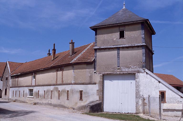 ferme ; moulin des Forges dite ferme des Forges, actuellement laiterie