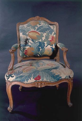 fauteuil d'une paire (siège à la reine) (n° 2)