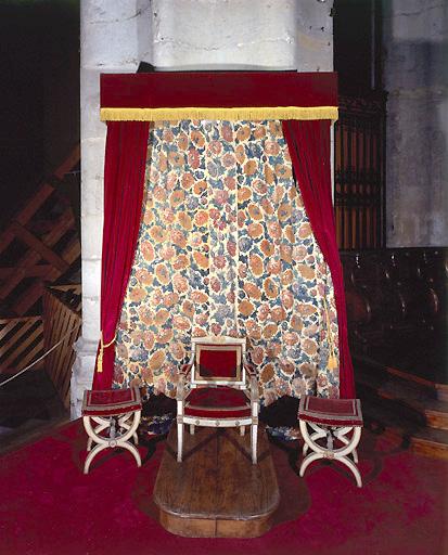 Tentures de trône pontifical (tentures de la chaire épiscopale)