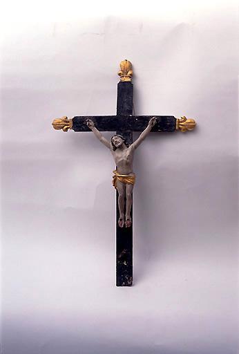 Croix de sacristie : Christ en croix