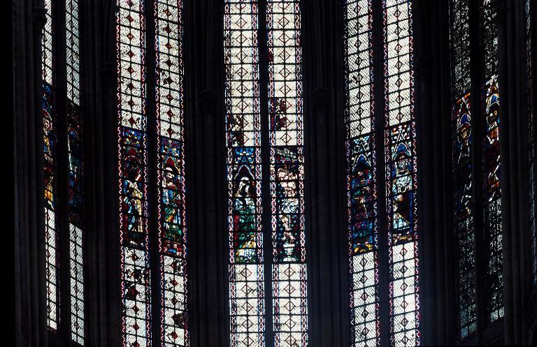 Ensemble des dix-neuf verrières des fenêtres hautes (baie 300 à 318)