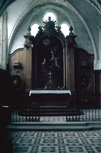 ensemble du maître-autel (autel, tabernacle, retable, trois tableaux)