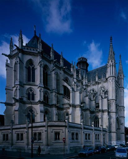Ancien couvent de Franciscains, dit des Cordeliers, actuellement église paroissiale Saint-Remi et square Pierre-Marie-Saguez
