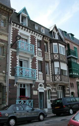 maison à deux logements accolés dits La Vallée et La Manche