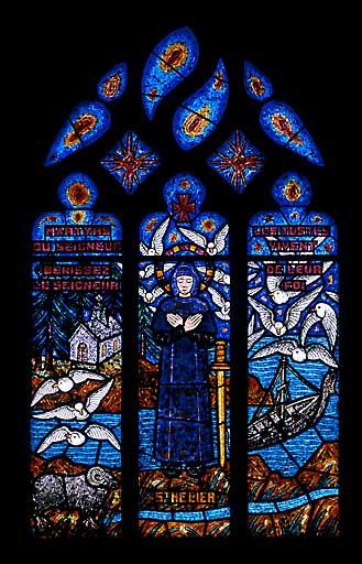 Verrière à personnages : saint Hélier (baie 10)