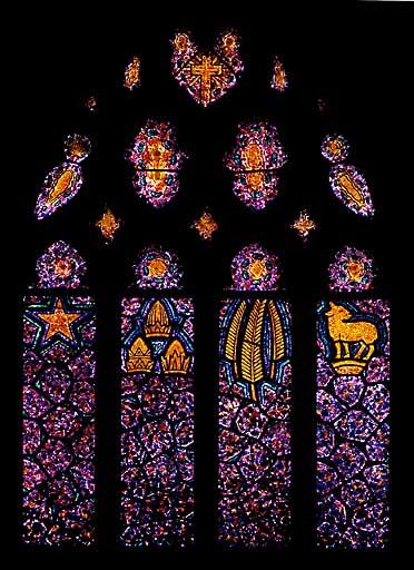 Verrière allégorique : fêtes liturgiques (baie 16)