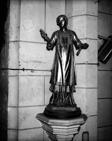 Statue (demi-nature) : saint Léonard ?