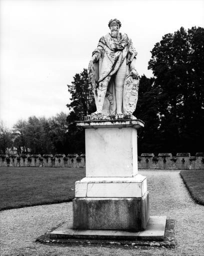 Statue (figure colossale) : Maximilien de Béthune, duc de Sully