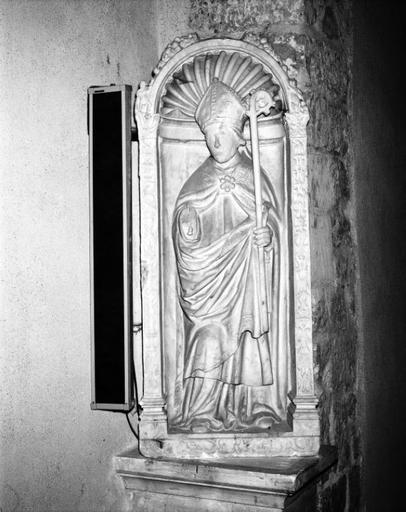 Statue, niche (grandeur nature) : évêque