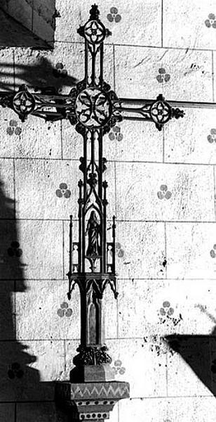 Croix (croix de mission), style néo-gothique