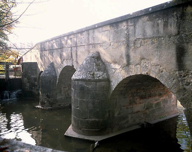 pont sur la Marmande dit Pont de pierre