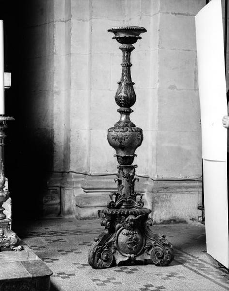 Ensemble de 2 chandeliers pascaux