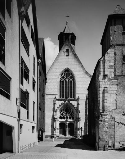 Couvent de carmes déchaussés Notre-Dame-du-Carmel, Notre-Dame-de-Pitié, actuellement église paroissiale Saint-Saturnin