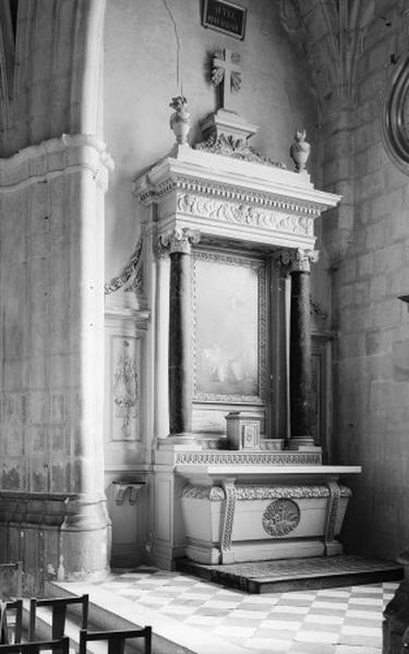 Autel secondaire de la chapelle des Malades (autel, degré d'autel, 2 gradins d'autel, retable, tabernacle)