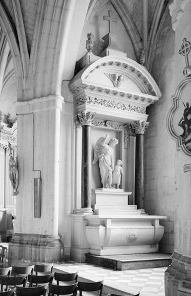 Autel secondaire du Saint Ange Gardien (autel, degré d'autel, 2 gradins d'autel, retable)