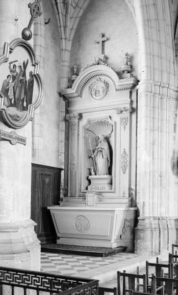 ensemble de l'autel secondaire saint Gilles : autel, degré d'autel, 2 gradins d'autel, retable, tabernacle, statue