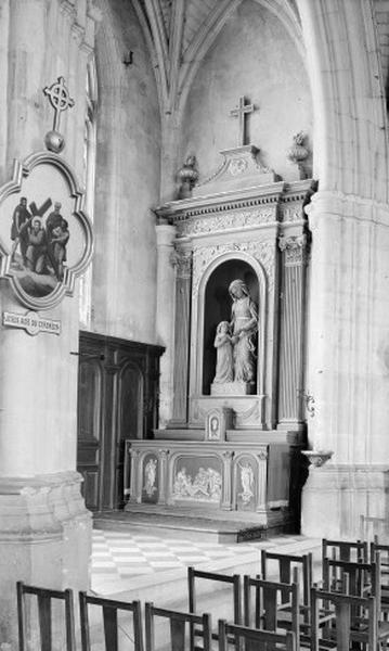 Autel secondaire Sainte-Anne (autel, degré d'autel, 2 gradins d'autel, retable, statue)