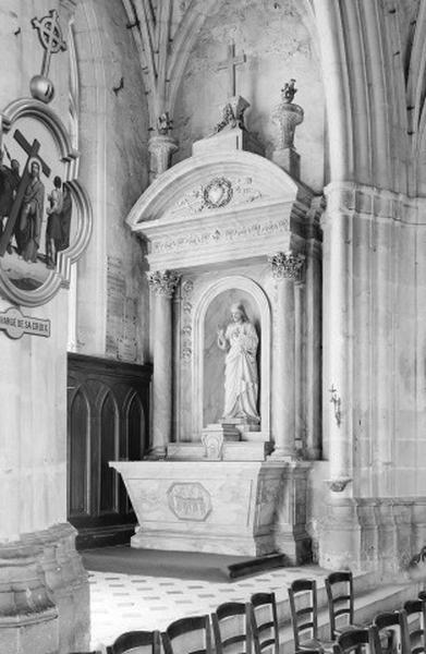 Autel secondaire du Sacré-Coeur (autel, degré d'autel, gradin d'autel, tabernacle, statue)