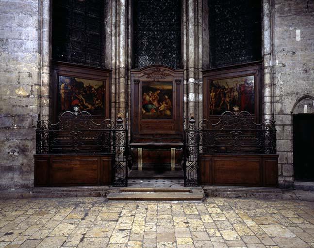 Décor de la chapelle de Tous les Saints (clôture de chapelle, retable, 2 lambris de hauteur, 3 tableaux, autel, 2 gradins d'autel, degré d'autel)