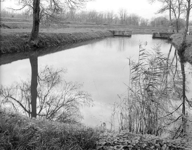 Bassin de radoub dit cale à Giraud